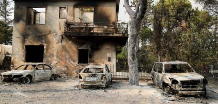 Καταγγελίες-σοκ πυρόπληκτων κατά κυβέρνησης: «Η αστυνομία μας έβγαζε με χειροπέδες από τα σπίτια μας ενώ τα σβήναμε»