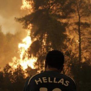 Νέος εφιάλτης στην Εύβοια: Μεγάλη φωτιά στην Κάρυστο – Εκκενώνεται το Μαρμάρι! – Καίγονται σπίτια