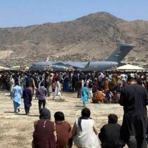 Οι Αφγανοί φυγάδες προτιμούσαν το «λεπίδι» των Ταλιμπαν παρά να εμβολιαστούν: Οι Αμερικανοί τους έδωσαν το ivermectin