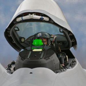 ΗΠΑ: Παραιτούνται μαζικά πιλότοι μαχητικών F-22 λόγω υποχρεωτικού εμβολιασμού!