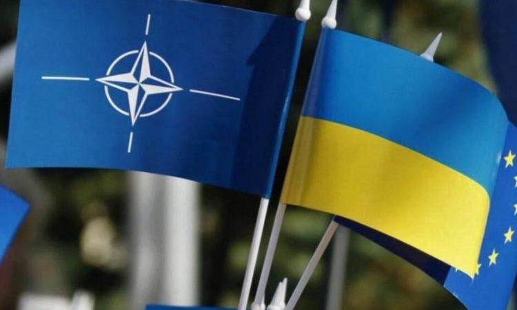Κρεμλίνο: «Η επέκταση του ΝΑΤΟ στην Ουκρανία πέρασε την κόκκινη γραμμή για τον Πούτιν»