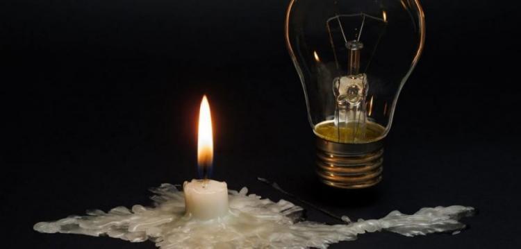 """Ετοιμάστε κεριά! Απλησίαστο το ρεύμα-Με σουηδικό μοντέλο θα """"κάψουν"""" τις τσέπες των καταναλωτών"""