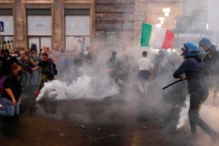 Ιταλία: Μαζική αντίσταση κατά των δυστοπικών δήθεν υγειονομικών μέτρων – Εικόνες που δεν θα δείξουν ποτέ τα κανάλια