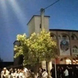 Εμβόλιο μετά…Θείας Κοινωνίας! «Τρυπήματα» έξω από τις εκκλησίες με πρωτοβουλία Μητροπολιτών
