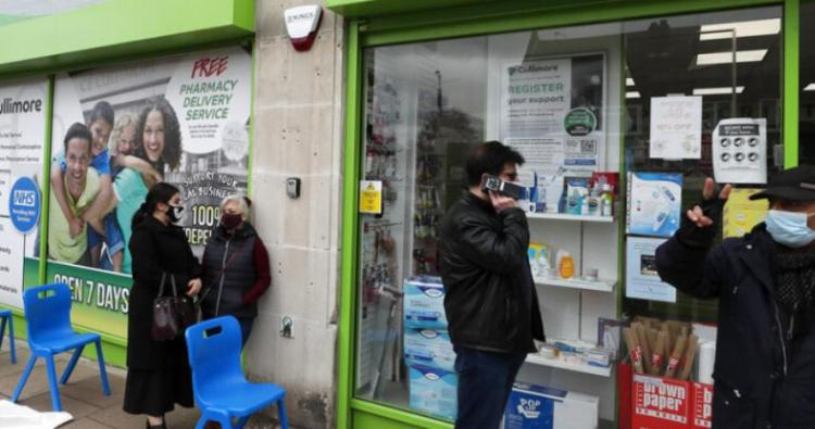 Το «πείραμα» της Βρετανίας σε εξέλιξη! Μετά τα καύσιμα τώρα και τα φάρμακα! SOS για νέες ελλείψεις στα ράφια