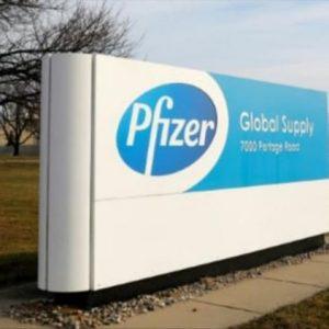 """Απίστευτο και τρομακτικό! Πώς η Pfizer ελέγχει, εκβιάζει και """"φιμώνει"""" όλες τις κυβερνήσεις της Δύσης!"""