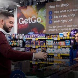 Η «Μεγάλη Επανεκκίνηση» είναι εδώ: Εγκαίνια σε σούπερ μάρκετ χωρίς υπαλλήλους – Θα «σκανάρεσαι» για να ψωνίσεις
