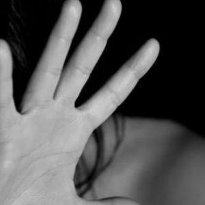 Φρίκη στο Καματερό: Αλλοδαποί βίασαν 31χρονη μητέρα μπροστά στα παιδιά της!